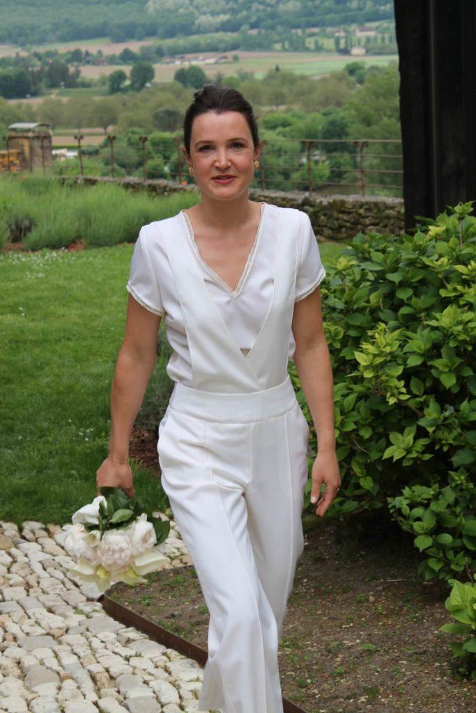Mariée en pantalon salopette sur-mesure - C.Bergamia