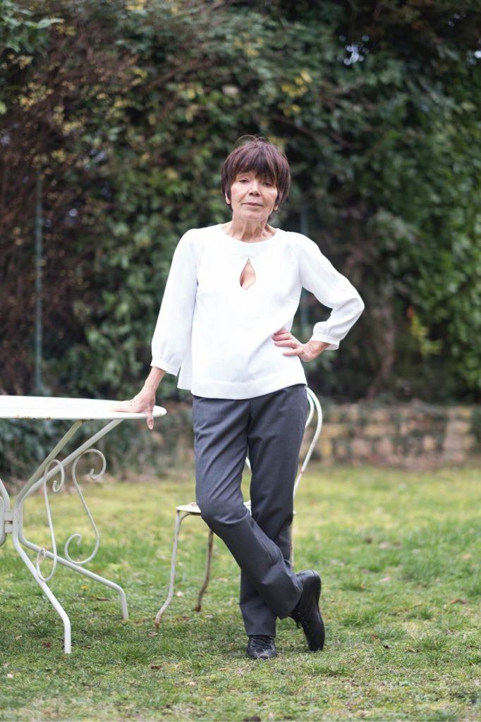 Pantalon féminin chic et confortable - Portrait
