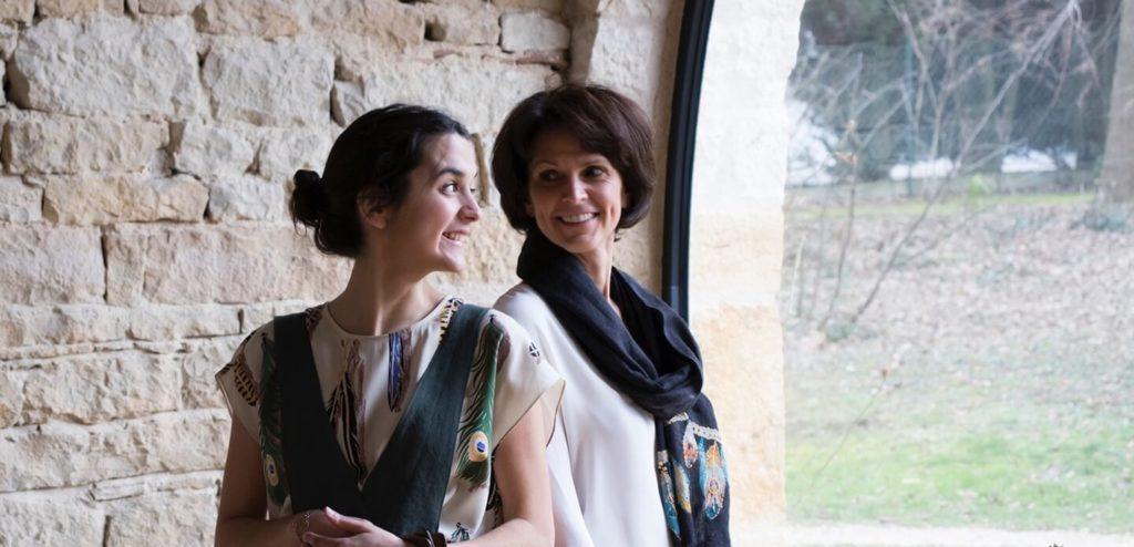 C.Bergamia - Duo fondateur mère_fille - Pantalons femmes sur-mesure et personnalisés - Copyright Chouaib Arif