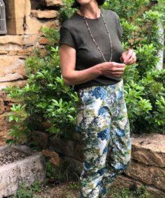Charmant pantalon cigarette en coton fleuri (1)