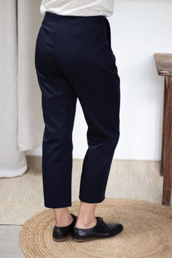 Pantalon cigarette en coton bio marine - Pantalon femme fabriqué en France - Modèle Charmant3