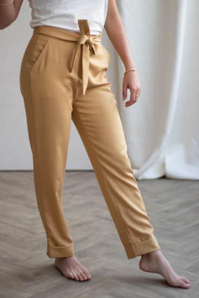 Pantalon à noeud fluide en tencel gold - Pantalon made in france - C.Bergamia 3