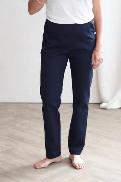 Pantalon cigarette en coton bio marine - Pantalon made in France - C.Bergamia 2